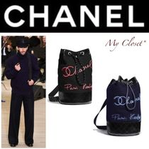 CHANEL ICON Other Check Patterns Unisex Street Style A4 2WAY Chain Plain