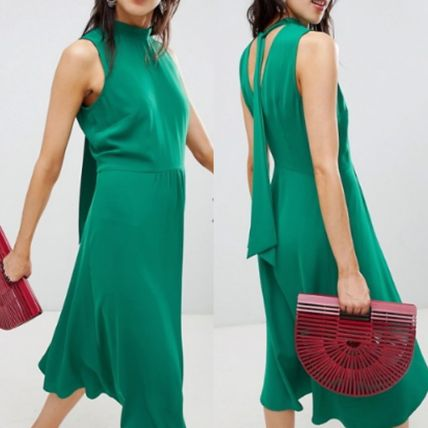 Sleeveless Medium High-Neck Elegant Style Dresses