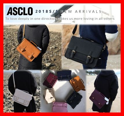 Unisex Street Style Leather Messenger & Shoulder Bags