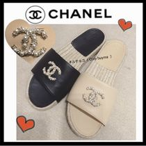 CHANEL ICON Casual Style Blended Fabrics Plain Leather Sandals