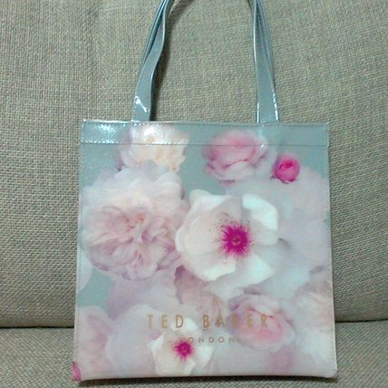 Flower Patterns Casual Style PVC Clothing Logo Totes