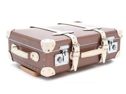 GLOBE TROTTER Luggage & Travel Bags 3-5 Days Carry-on Luggage & Travel Bags 4