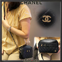 CHANEL ICON Calfskin Chain Plain Elegant Style Shoulder Bags