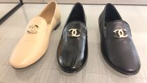 CHANEL Loafer Pumps & Mules