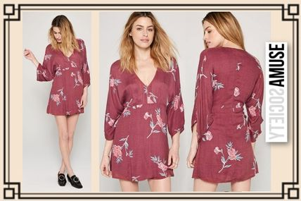 Wrap Dresses Short Flower Patterns Casual Style V-Neck