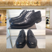 VERSACE Wing Tip Plain Leather Oxfords