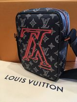 Louis Vuitton Messenger & Shoulder Bags