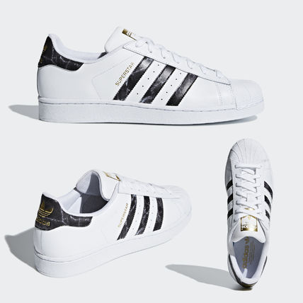 3a23e24d593 adidas SUPERSTAR 2018 SS Unisex Sneakers (D96799) by LaRisata - BUYMA