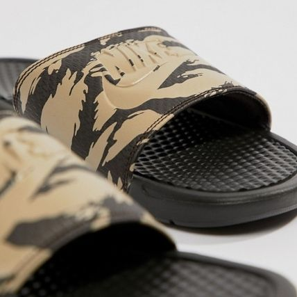 6b3897f9ecf4 ... Nike Shower Sandals Camouflage Unisex Street Style Shower Shoes Khaki 3  ...