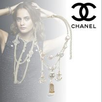 CHANEL Costume Jewelry Tassel Chain With Jewels Elegant Style