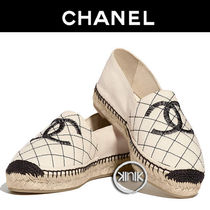 CHANEL 18P CAHNEL BEIGE/BLACK CC LOGO QUILTED ESPADRILLES, SIZE 37