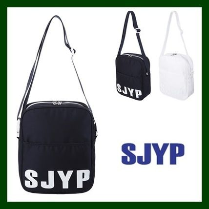 Casual Style Unisex Nylon Street Style Plain Shoulder Bags