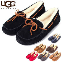 UGG Australia DAKOTA Round Toe Casual Style Sheepskin Plain Slip-On Shoes