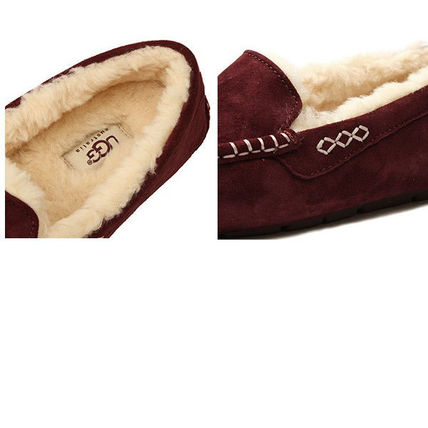 UGG Australia Slip-On Moccasin Round Toe Casual Style Sheepskin Plain 4