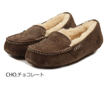 UGG Australia Slip-On Moccasin Round Toe Casual Style Sheepskin Plain 7
