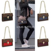 Louis Vuitton MONOGRAM Chain Leather Party Style Bold Party Bags