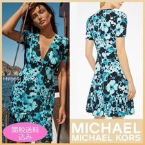 Michael Kors Short Flower Patterns A-line V-Neck Short Sleeves