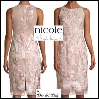 Flower Patterns Tight Sleeveless Boat Neck Medium Lace
