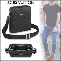 Louis Vuitton TAIGA Blended Fabrics Street Style 2WAY Plain Leather