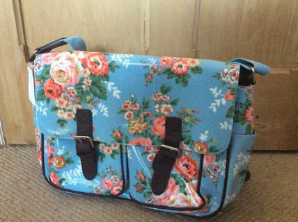 Flower Patterns Casual Style PVC Clothing Shoulder Bags