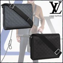 Louis Vuitton DAMIER INFINI Other Check Patterns Blended Fabrics Street Style A4 Plain