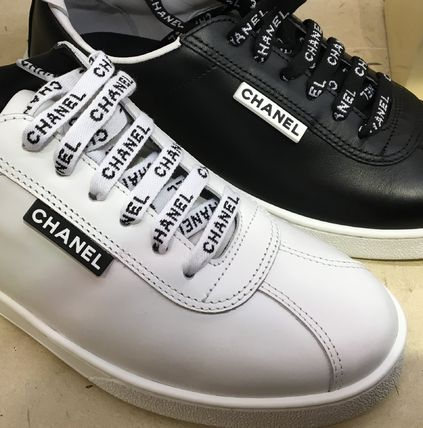 Shop CHANEL 2018-19FW Lace-up Casual