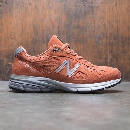 100% authentic cadf5 bc532 New Balance 990 Street Style Sneakers
