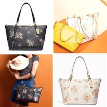 Coach Flower Patterns Street Style A4 PVC Clothing Office Style