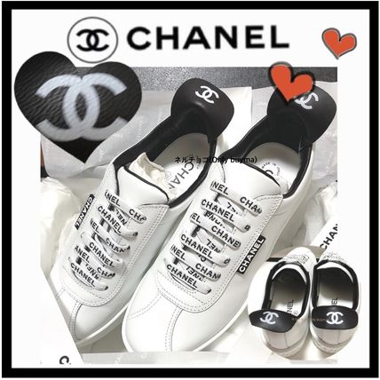 CHANEL SPORTS Casual Style Unisex Bi-color Plain Leather Low-Top Sneakers