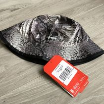 Supreme Street Style Collaboration Bucket Hats Wide-brimmed Hats