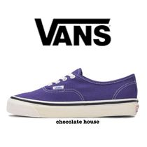VANS AUTHENTIC Unisex Plain Sneakers