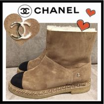 CHANEL ICON Casual Style Suede Bi-color Chain Plain Flat Boots