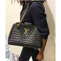 Louis Vuitton Louis Vuitton New Wave Chain Tote