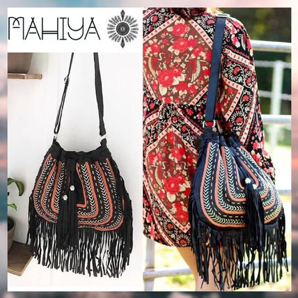 Casual Style Leather Handmade Fringes Shoulder Bags