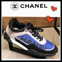 CHANEL SPORTS Casual Style Unisex Bi-color Low-Top Sneakers