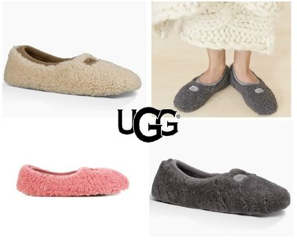 UGG Australia Slip-On Round Toe Casual Style Sheepskin Plain Slippers