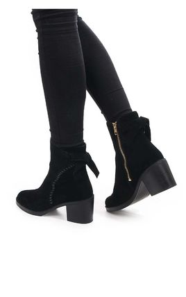 UGG Australia Ankle & Booties Round Toe Casual Style Suede Street Style Plain Block Heels 2