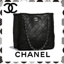 CHANEL Lambskin A4 Chain Plain Elegant Style Totes