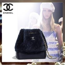CHANEL Casual Style Calfskin Purses Shoulder Bags