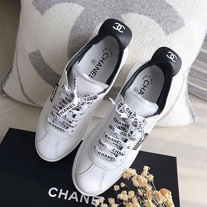 CHANEL Logo Unisex Leather Street Style Low-Top Sneakers