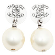 CHANEL Costume Jewelry With Jewels Elegant Style Earrings