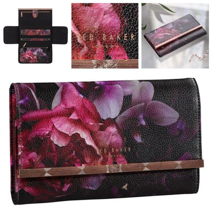 Flower Patterns Faux Fur Pouches & Cosmetic Bags