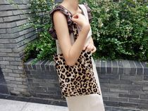 Leopard Patterns Unisex A4 Shoppers