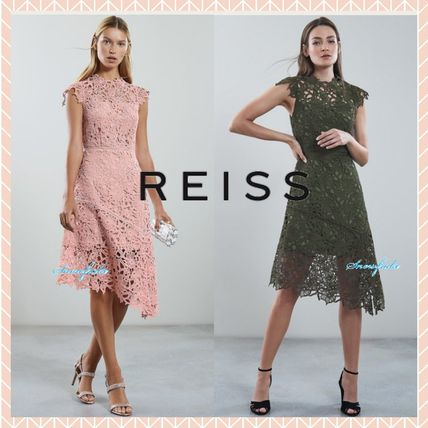 Flower Patterns A-line Medium Lace Dresses