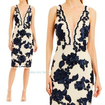 Flower Patterns Tight Sleeveless Medium Dresses