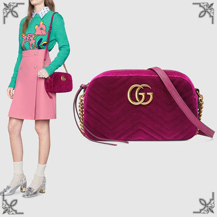 41bf118db37f GUCCI GG Marmont 2018-19AW Suede Plain Elegant Style Shoulder Bags ...