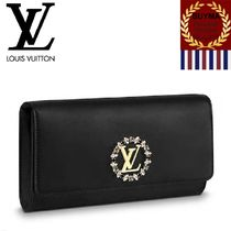 Louis Vuitton Calfskin Bag in Bag 2WAY Plain With Jewels Clutches
