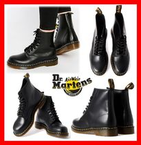 Dr Martens Unisex Street Style Mid Heel Boots