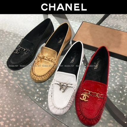 CHANEL Loafer & Moccasin Round Toe Chain Plain Leather Block Heels Elegant Style