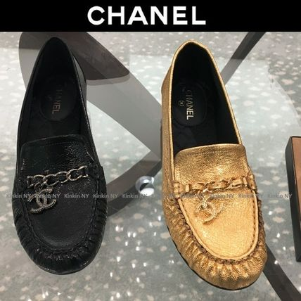 CHANEL Loafer & Moccasin Round Toe Chain Plain Leather Block Heels Elegant Style 3